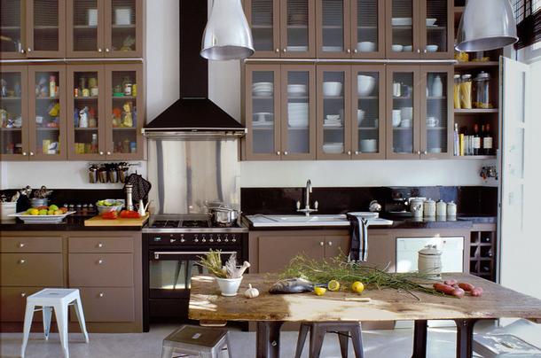 Перегруз аксессуаров на кухне