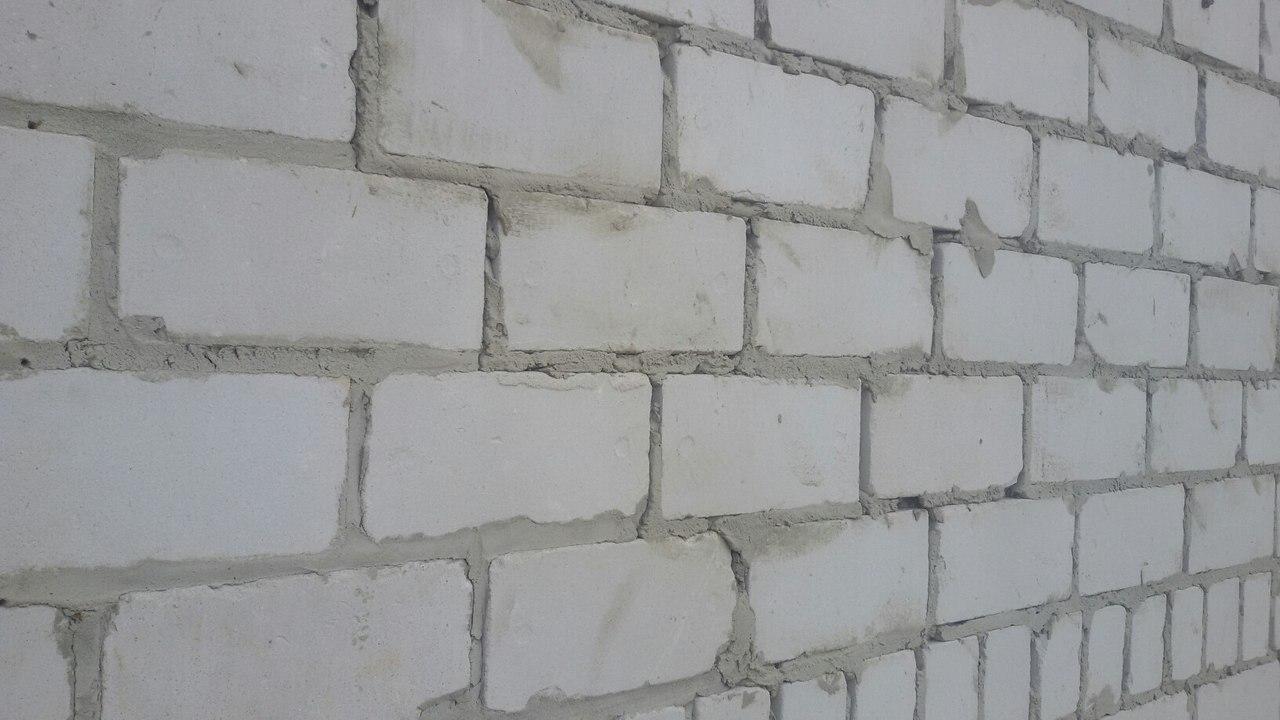 Плюсы и минусы белого силикатного кирпича