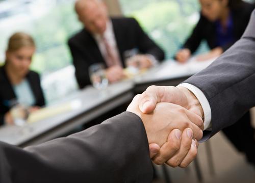 Можете ли вы расторгнуть контракт с бестолковым агентом?