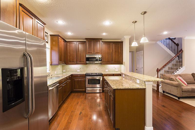 Как продавать дом за 8 дней, кухонная зона