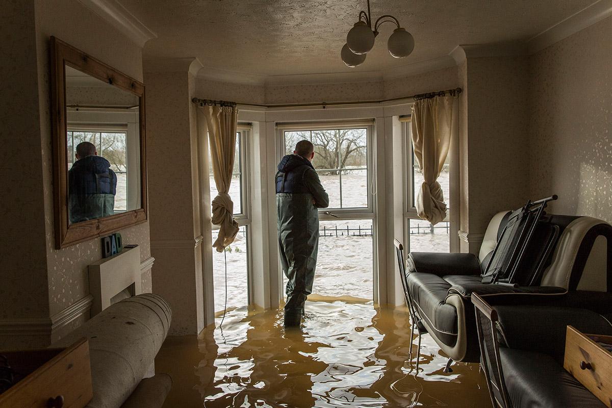 Стоимость ремонта квартиры после затопления