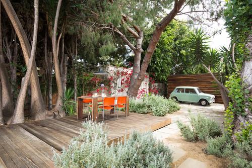 Как устроить двор частного дома