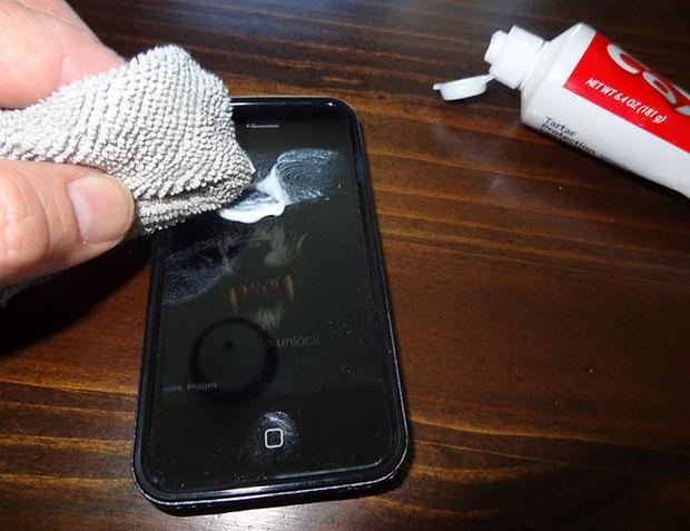 Как убрать все царапины с телефона в домашних условиях 716