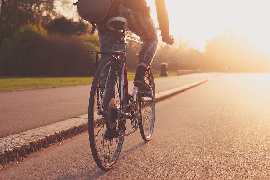 Велосипедист на дороге: правила дорожного движения