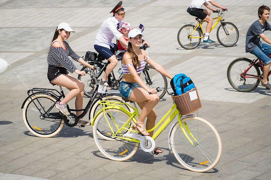 Можно ли ездить на велосипеде в повседневной одежде
