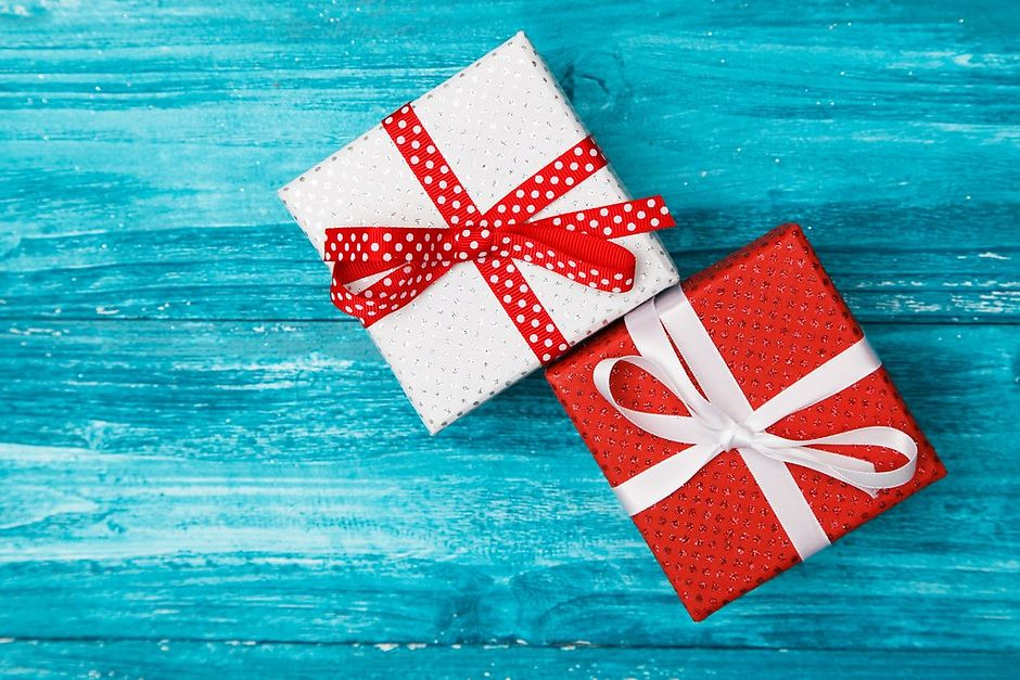 Что стоит учитывать при выборе новогоднего подарка супругу?