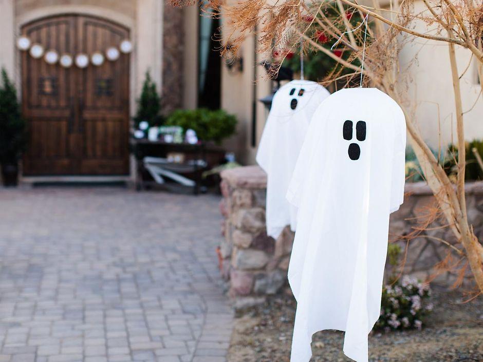 К Хэллоуину, развесьте по дому привидения