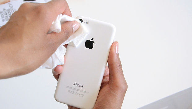 Как делать фото на телефон. Протрите объектив