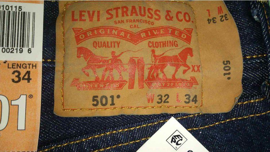 Фирменная нашивка Levi's