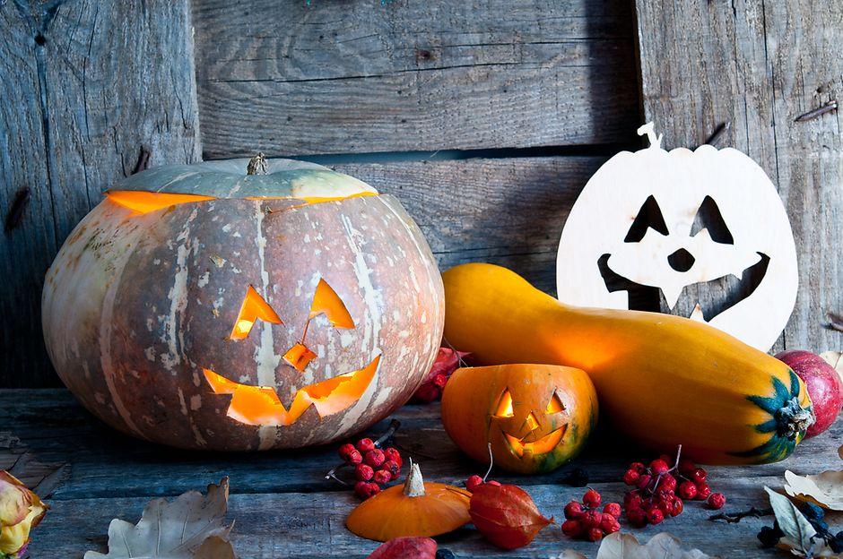 Символ Хэллоуина — тыква с жуткой улыбкой