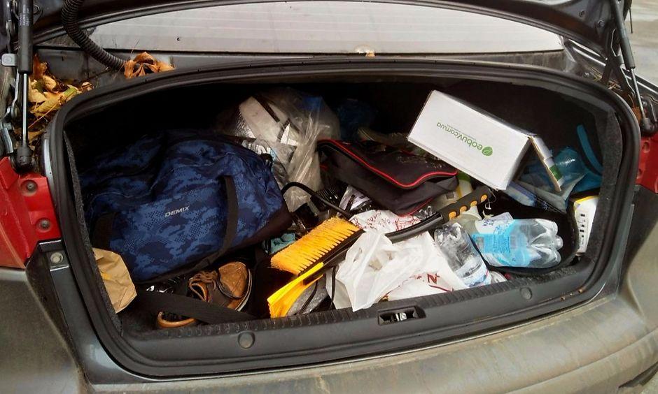 Беспорядок в багажнике
