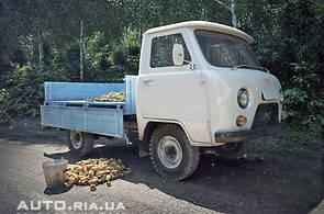 Продаж нового автомобіля УАЗ 3303 на базаре авто