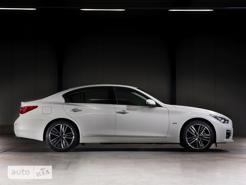Infiniti Q50 2.0 АТ (211 л.с.) Luxe Pack 1 + Pack 2