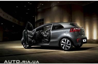 Kia Rio Hatchback 3D  FL 1.4 АТ  Mid 2015