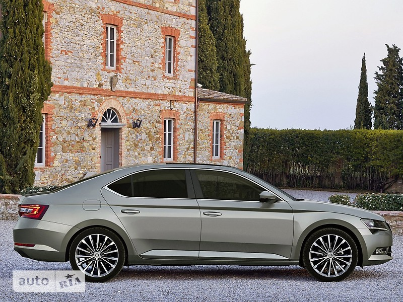 Skoda Superb New 1.8 TSI AT (180 л.с.) Ambition