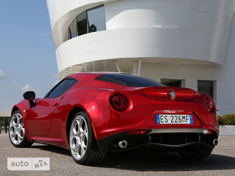Alfa Romeo 4C 1.8 TBi АТ RWD