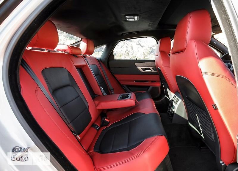 Jaguar XF 2.0 AT (250 л.с.) AWD R-Sport