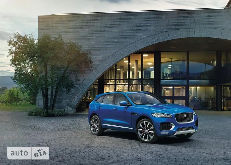 Jaguar F-Pace 2.0 AT (300 л.с.) AWD Portfolio