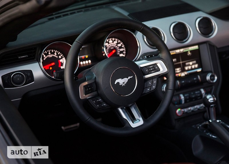 Ford Mustang Convertible 2.3 АТ (314 л.с.) Ecoboost
