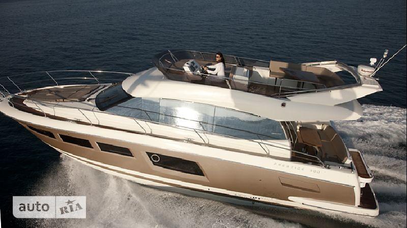 Prestige Yachts Flybridge Line 500
