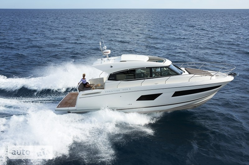 Prestige Yachts Coupe Line 420 S
