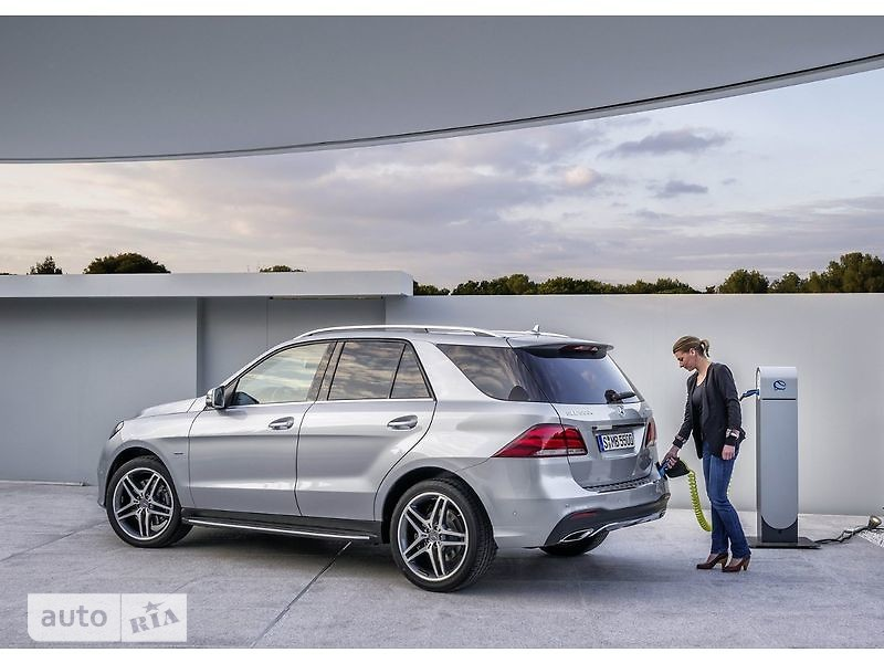 Mercedes-Benz GLE-Class Mercedes-AMG GLE SUV 63 AT (557 л.с.) 4Matic