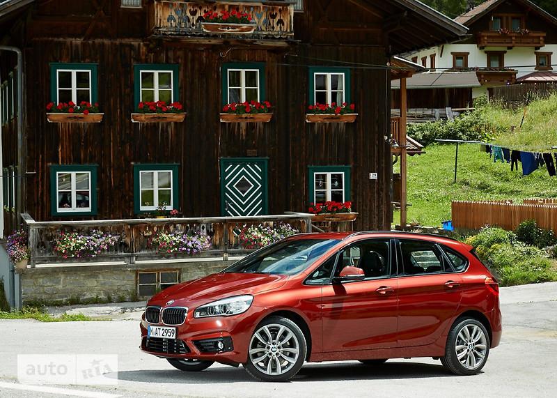 BMW 2 Series  Active Tourer 225i AT (231 л.с.) xDrive base