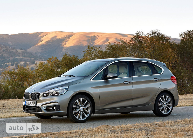 BMW 2 Series  Active Tourer 220i MT (192 л.с.) base