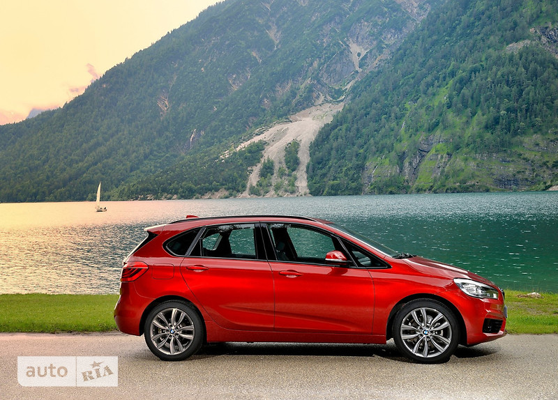 BMW 2 Series  Active Tourer 218i MT (136 л.с.) base