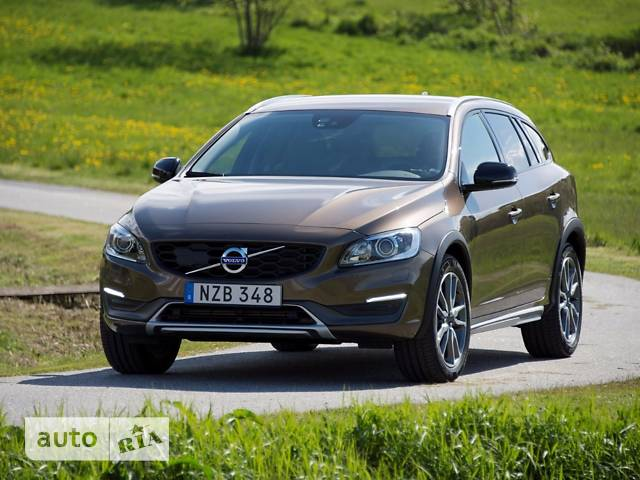 Volvo V60 Cross Country T5 2.0 АT (245 л.с.) AWD Kinetic