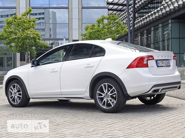 Volvo S60 Cross Country T5 2.0 АТ (245 л.с.) AWD Pro