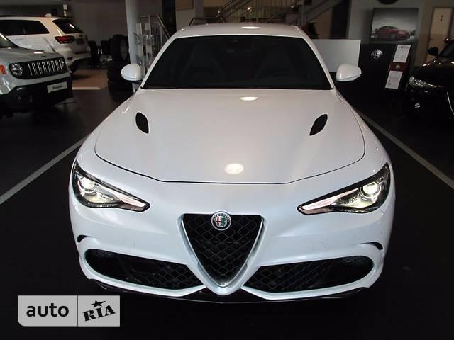 Alfa Romeo Giulia 2.9 Bi-Turbo MT (510 л.с.) Quadrifoglio