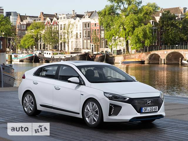 Hyundai Ioniq 1.6 DCT (105 л.с.) Hybrid Prestige