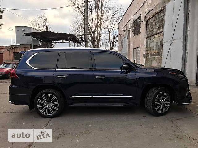 Lexus LX 570 AT (383 л.с.) (8s)