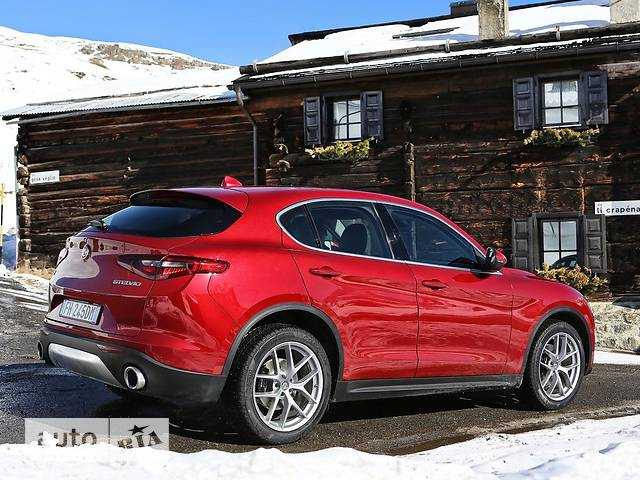 Alfa Romeo Stelvio 2.0 AT (200 л.с.) AWD