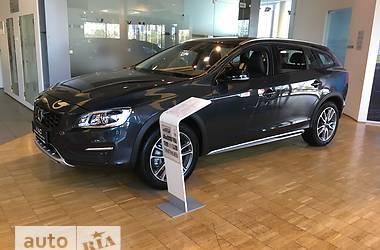 Volvo V60 Cross Country D4 2.4 AT (190 л.с.) AWD Pro 2018