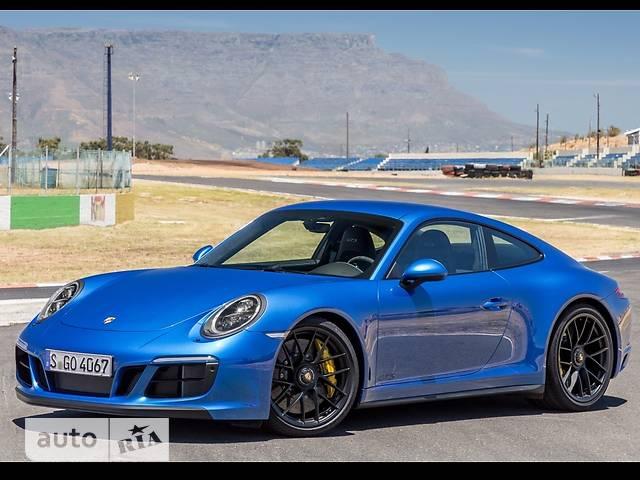Porsche 911 Carrera 4 GTS 3.0 MT (450 л.с.)