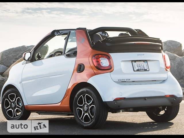 Smart Fortwo Electric drive AT (82 л.с.) Standart