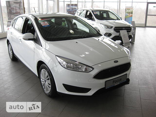 Ford Focus 1.6 MT (105 л.с.) Trend