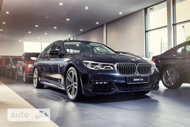 BMW 7 Series G11 750i AT (449 л.с.)