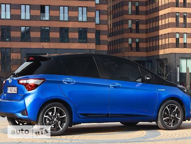 Toyota Yaris 1.5 Dual VVT-iE  МТ (111 л.с.) Live