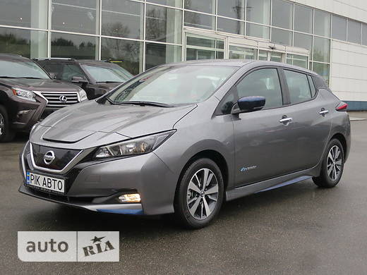 Nissan Leaf AT (150 л.с.)