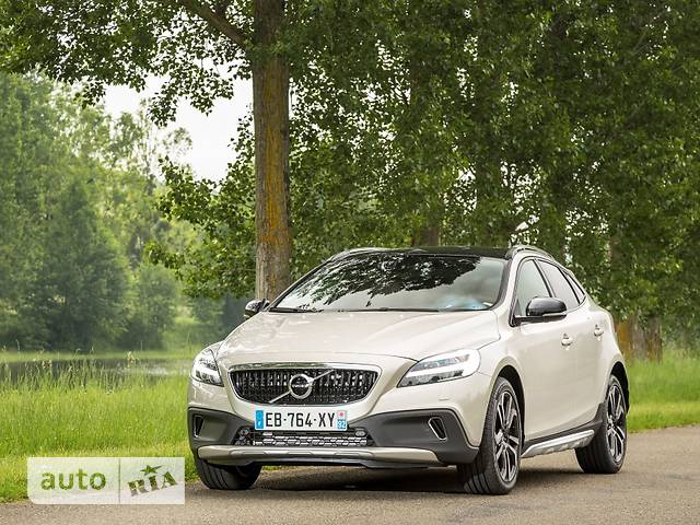Volvo V40 Cross Country D3 2.0 AT (150 л.с.) Kinetic