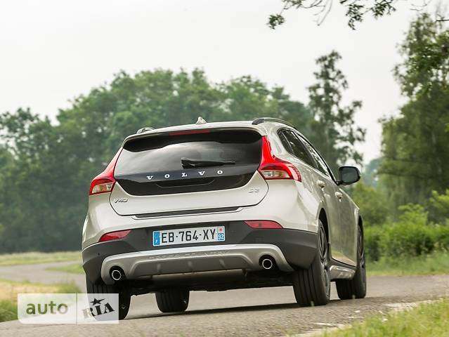 Volvo V40 Cross Country D3 2.0 MT (150 л.с.) Inscription