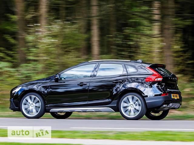 Volvo V40 Cross Country D4 2.0 8AT (190 л.с.) Summum