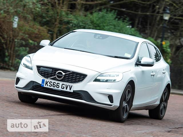 Volvo V40 Cross Country D2 2.0 MT (120 л.с.) Kinetic