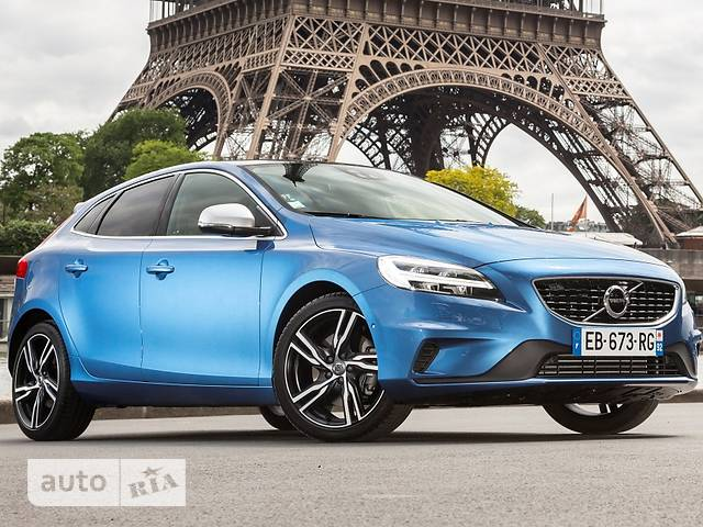 Volvo V40 Cross Country D4 2.0 8AT (190 л.с.) Summum