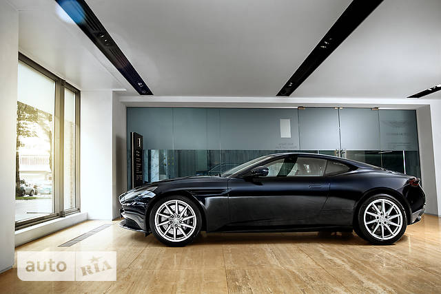 Aston Martin DB11 5.2 AT (608 л.с.) Coupe Touchtronic