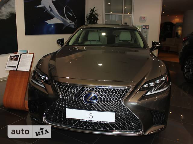 Lexus LS 500h AT (359 л.с.) 4WD Luxury