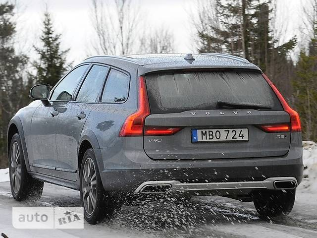 Volvo V90 Cross Country T6 2.0 АТ (320 л.с.) AWD Pro